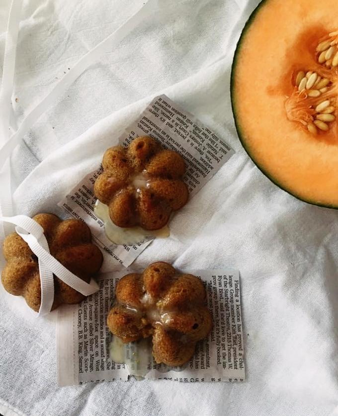 Cantaloupe pecan mini cakes