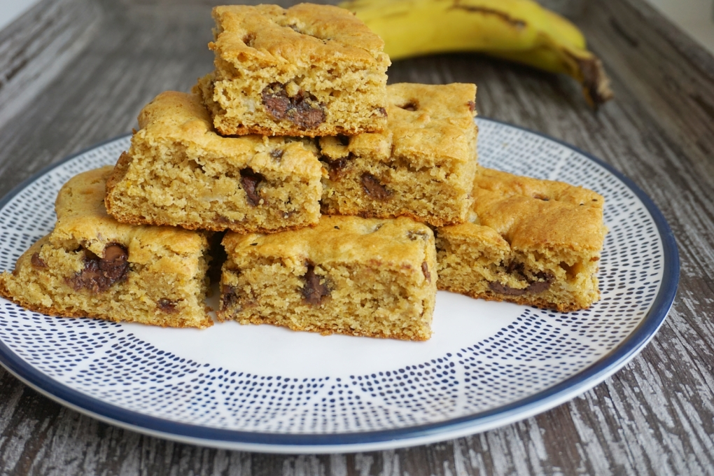 almond-banana-bars