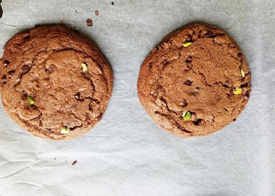 panoramic-choco-pistachio-cookies
