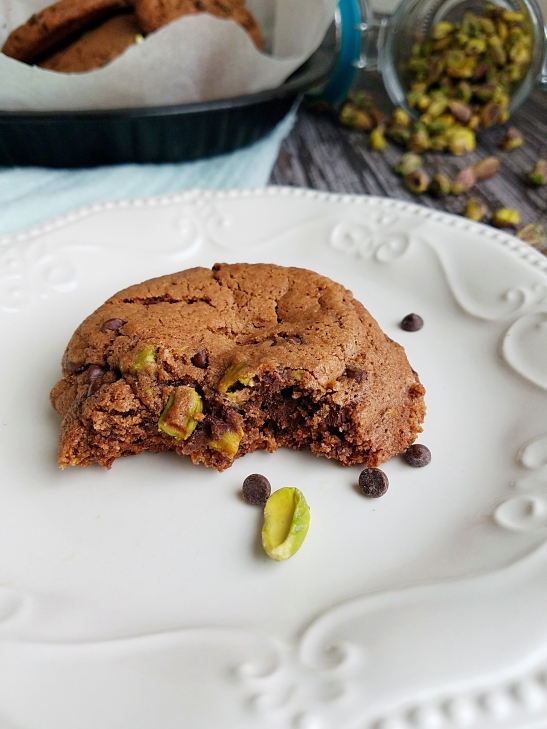 pistachio-choco-cookies