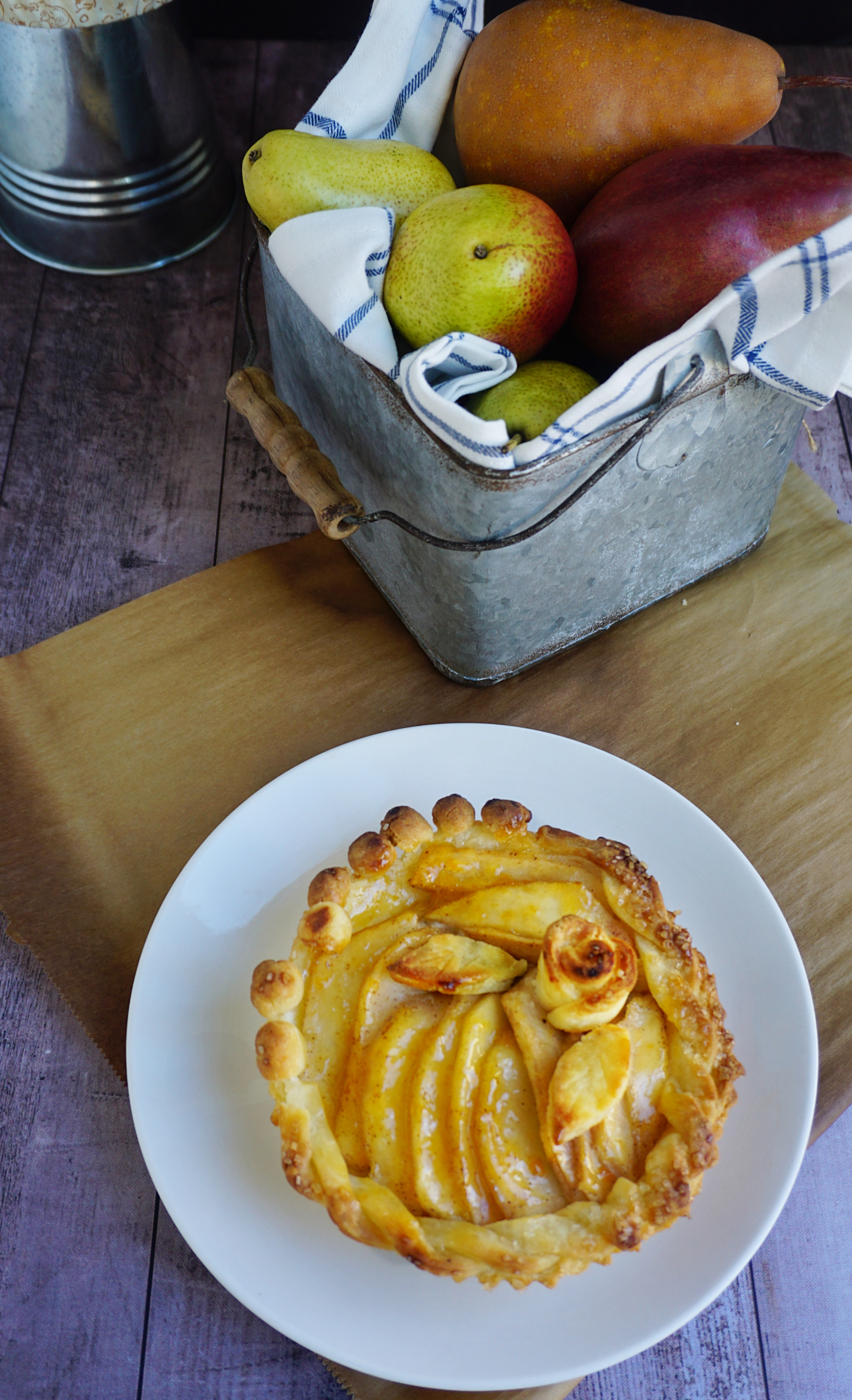 Gluten-free pear almond pie